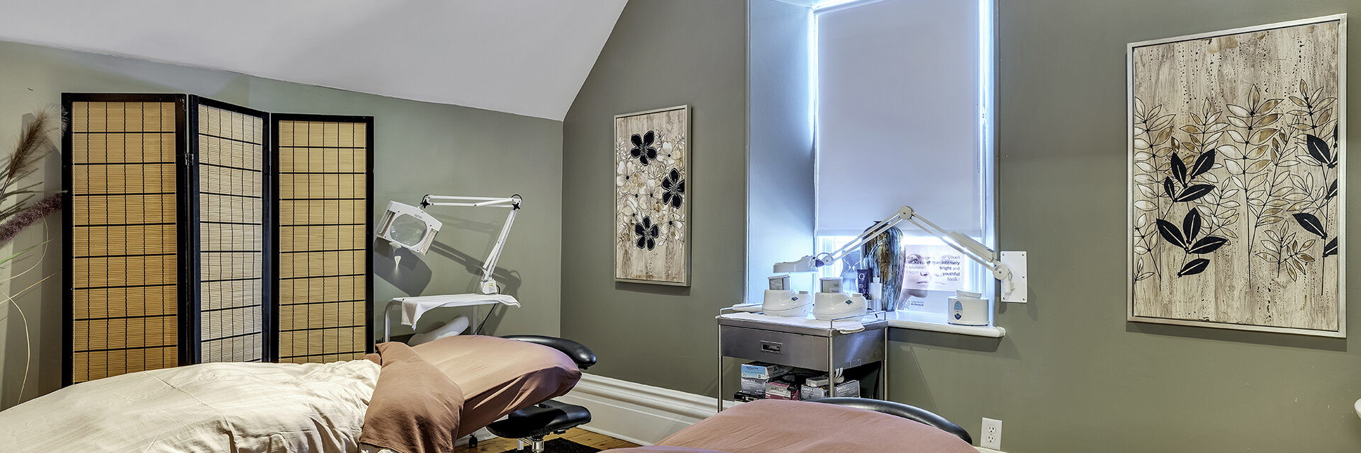 Massage therapy beds at Jask